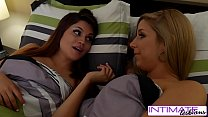 Raquel Roper and Ryan Riesling eat each others ...