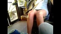 mulher é filmada dentro do ônibus sem calcinha [for honor porn] thumbnail