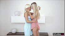 Blonde babes Naomi Nevena and Cayla Lyons eat e...