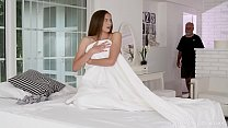 Old-n-Young.com - Stacy Cruz - Cutie enjoys a s...