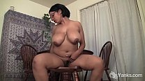 Yanks Mocha Babe Natalia Johnson Masturbates