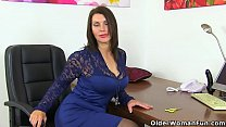 British milf Raven gets creamy for her dildo pornhub video