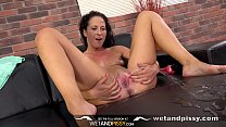 Pussy Pissing   Sexy Vanessa Twain Dives Into H