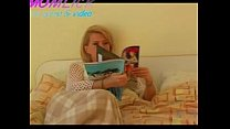 Free download video bokep Mother console his son after the bad game # 1