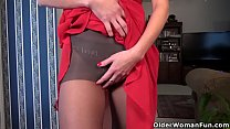 American milf Jacqueline fingers her gorgeous pussy preview image