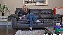 Canadian milf Velvet Skye slowly rubs her matur...