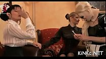 Mistress Stretches Slave's Wazoo