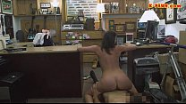 Customers wife pounded at the pawnshop Vorschaubild