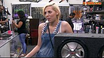 Blonde babe sells subwoofer speaker and pounded by pawn guy