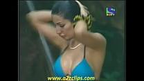 YouTube Iss Jungle Se Mujhe Bachao Negar Khan Bikini Bath Hot Ne