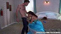 Brazzers - Momique makes fantasy come true