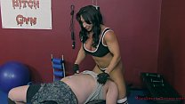 The Muscle Queen Brandi Mae Trains a Bitch to W... thumb
