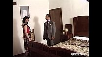 La signora si fa scopare dall'amico del marito ...