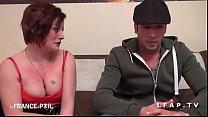 Jolie amatrice rousse tattooee se fait prendre le cul video