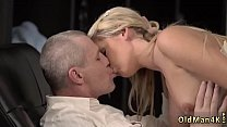 I love daddy dick and retro old man She is so w...