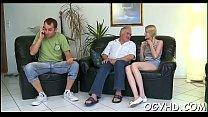 видео жесткого секса в одну дырку два члена что зритель