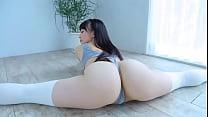 Sexy chica asiatica con trasero perfecto  video...