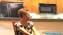 Ebony tranny spitroasted in threesome scene