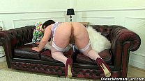 English milf Vintage Fox loves toying her matur...