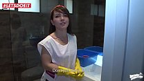 Cleaning maid looking for a big tip finds a big...