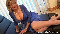 Lady Sonia An English Housewifes Cleavage video