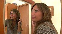 สาวผิวเข้มทรงน่าเย็ด ฝรั่งขี้เงี่ยนจับเย็ดหน้ากระจกจนน้ำเยิ้มเอาแรงสุดๆ