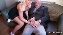 Opa fickt 18-jaehrigen blonde Teen Maus wenn Eltern nicht da Vorschaubild