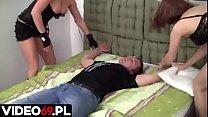 Polskie porno - Bezbronny chłopak zostaje skazany na łaskę i niełaskę dwóch dziewczyn