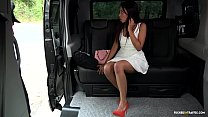 VIP SEX VAULT - Squirting Indonesian babe goes wild in hardcore car fuck Vorschaubild