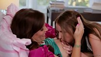 Syren De Mer and Scarlett Sage - Mommy's Girl Thumbnail