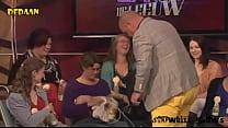 Paul de Leeuw drinkt moedermelk in Langs de Leeuw   Showbizz Nieuws صورة