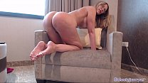 PAWG Milf Camgirl Twerking Ass Shaking To Din D...