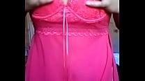 Morena cor do pecado mostrando camisola rosa transparente