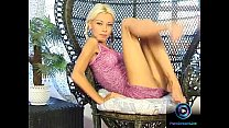 Petite Nikki Blond in pigtails spread and plays her slit pornhub video