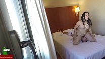 camara oculta grabando la comida de coño que le hace a su amiga en el hotel GUI097