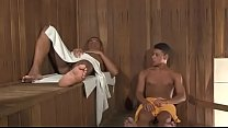 Sentando No Cacete Enorme Do Moreno Dentro da Sauna