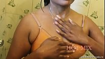 desimasala.co - Young aunty shower bath and romance with boyfriend