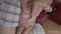 Stranger visit young busty teen in her house and fuck her ass on sofa Vorschaubild
