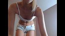 Blonde girl shows her body on webcam - slutycams.net Vorschaubild