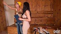Handyman Licks & Bangs Leggy Babe Kira Queen's
