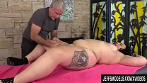 A Masseur Turns a Rubdown into an Orgasm Session for BBW Calista Roxxx صورة