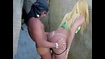 marmanjos-botando-travesti-pra-chupar-o-pau-na-praia-360p video