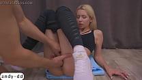 Man Masturbate Pussy Fitness Blonde to Orgasm in the Training صورة