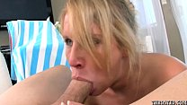 Aria Austin gives a no nonsense extreme deepthroat