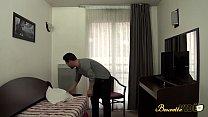 Amel Annoga baise avec son propriétaire pour baisser le prix du loyer Preview
