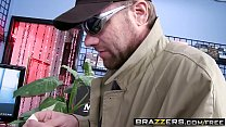16277 Brazzers - Shes Gonna Squirt - Zoey Monroe and Johnny Sins -  Friendly Squirting preview