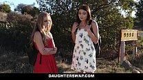 DaughterSwap - Cute Teen Cam Girl Fucked By Bffs Dad Vorschaubild