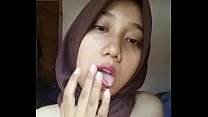Indonesian Malay Hijabi Horny 02 صورة