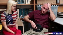 Gf blonde Madison Hart has to fuck security gua...