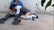 Estudiante chupando la pija de su compañero de la escuela